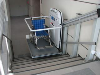 車椅子昇降機1.JPG